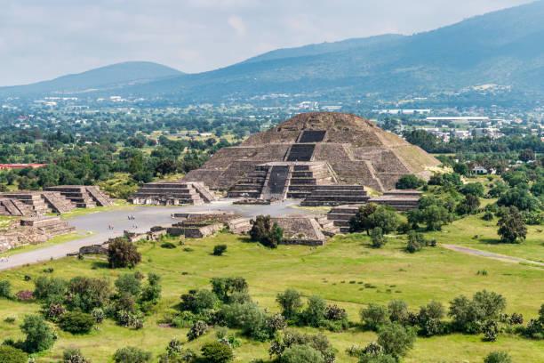 mitos aztecas ejemplos