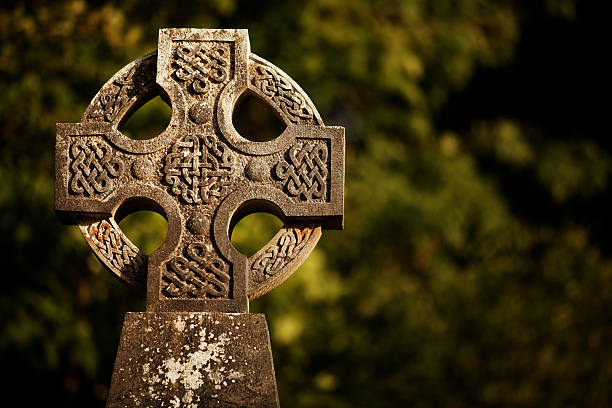 mitos celtas miranda green pdf