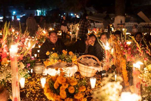 mitos del dia de muertos en mexico